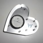 時が輝く!ウェッジウッドきらきらハート時計