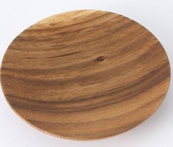 一皿一皿、木目の出方が異なるところもオンリーワンでステキ。