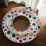 今年の夏3COINSの浮き輪が大人気!